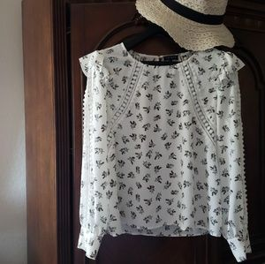 1.STATE long-sleeved Floral Blouse